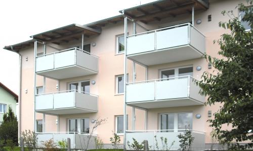 balkon-mehrfamilienhaus