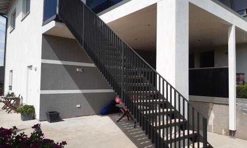 Stahlgeländer + Treppe