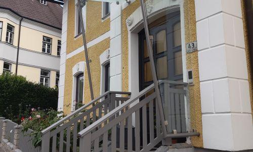 Treppengeländer + Glasvordach
