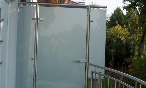 Glasabtrennung mit Tür